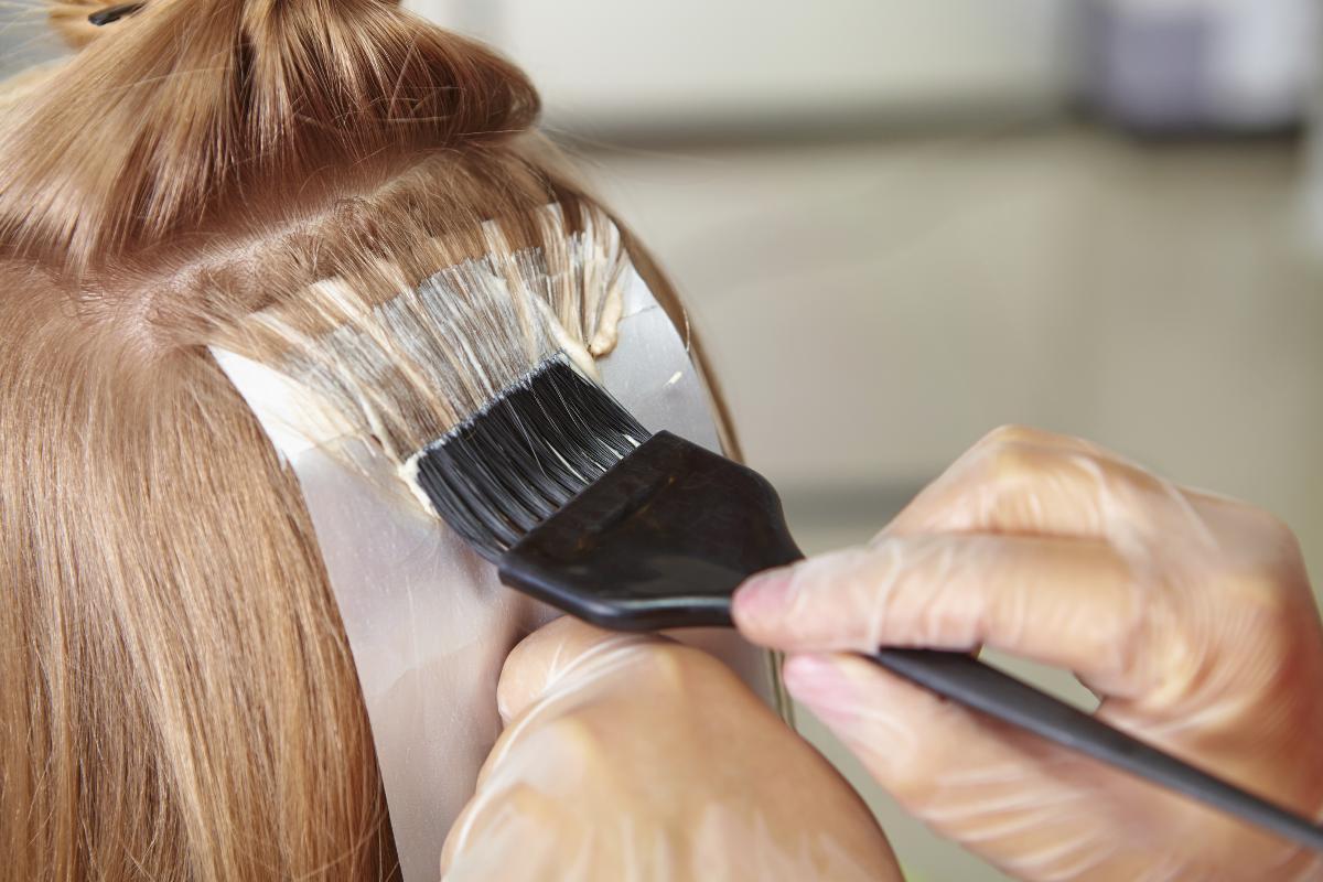 Пошаговое мелирование на темные волосы